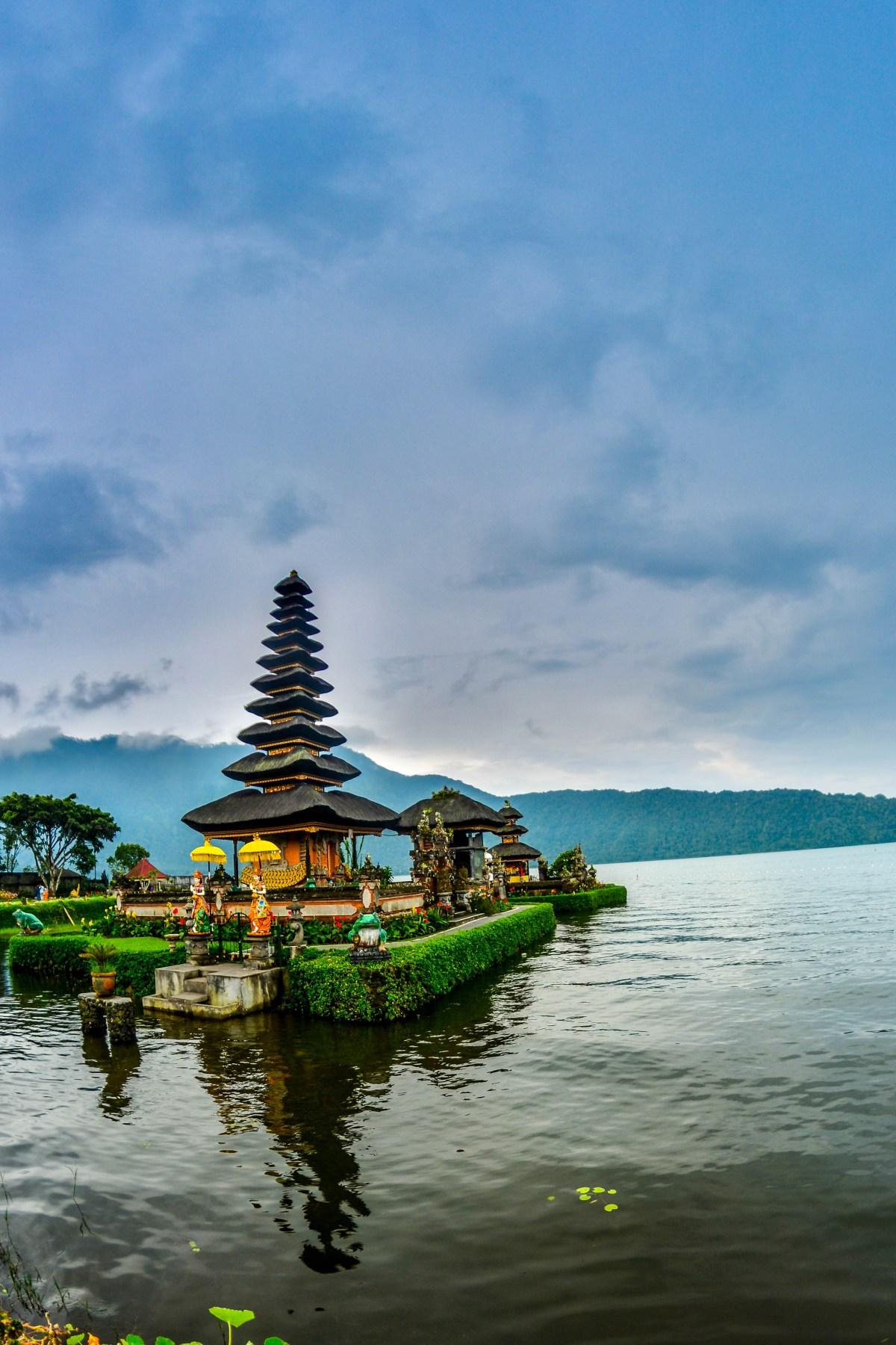 Bali Ubud temple Ulum Danu et le le temple Batukaru