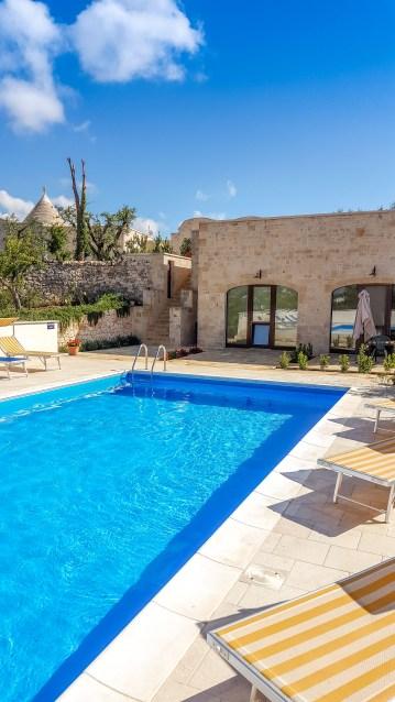 Locorotondo vallée d'Istria italie voyage airbnb trulli