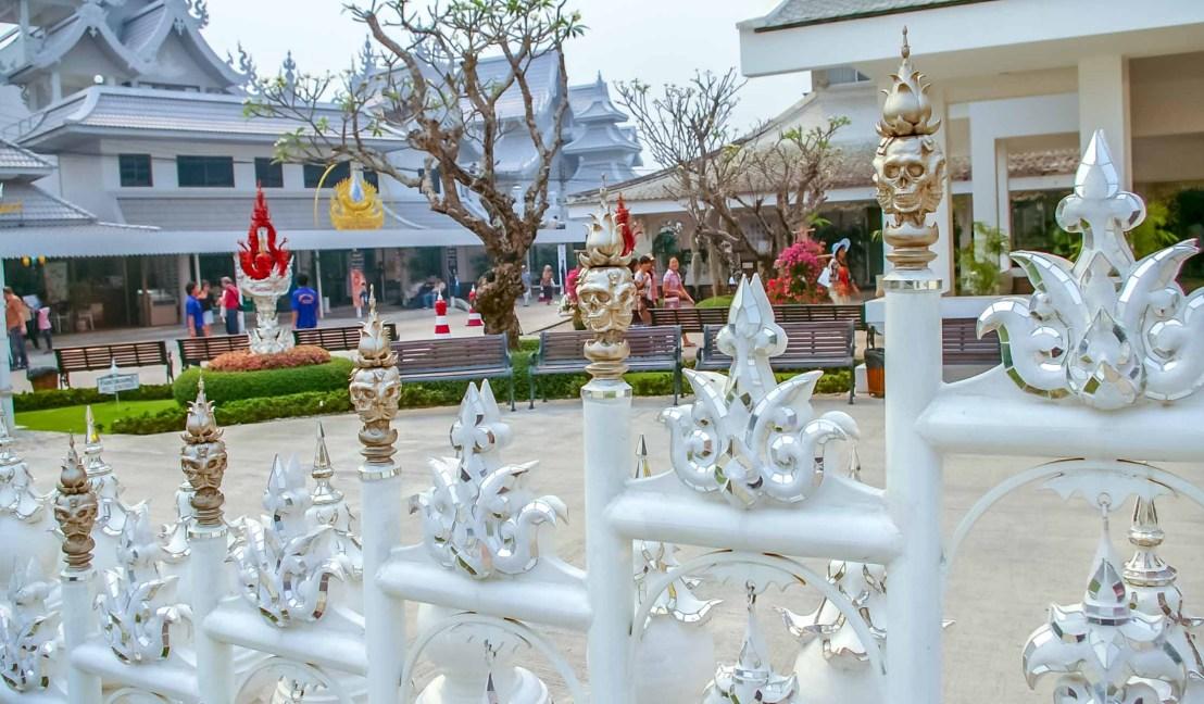 Wat Rong Khun White Temple Temple Blanc Chiang Rai Thailande blog voyage icietlabas ici et la bas