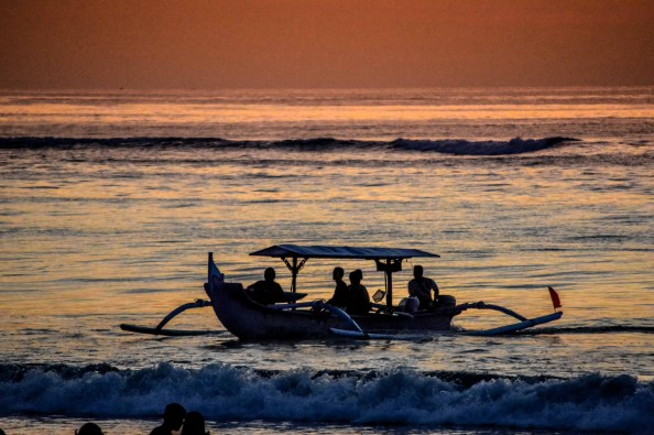 Coucher de soleil crépuscule bali indonésie kuta balian beach sanur blogvoyage blog voyage icietlabas sunset sunrise