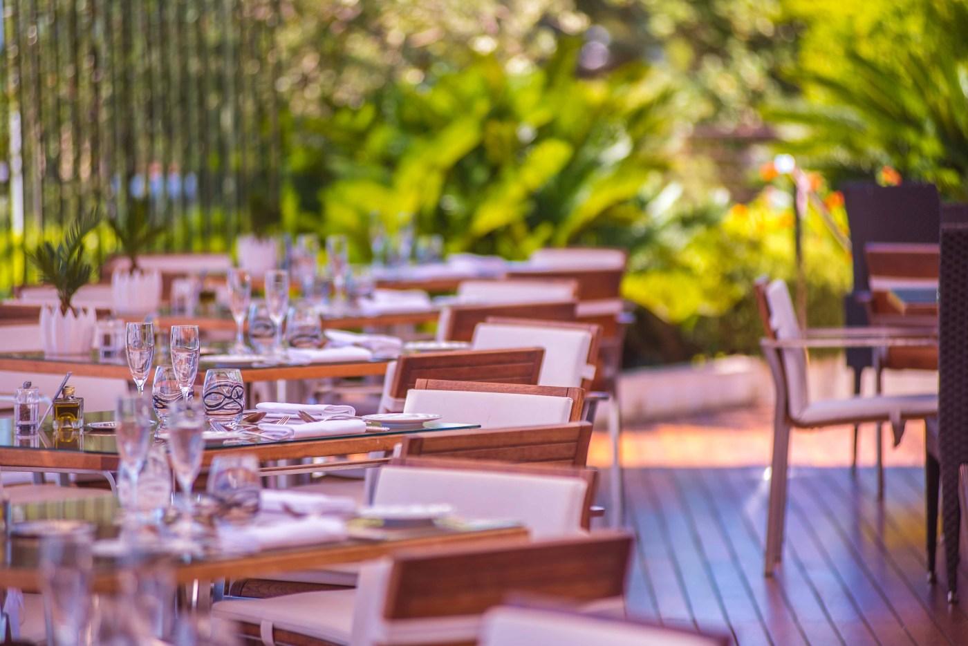 Fairmont Monaco MonteCarlo pink sunday horizon deck blog voyage icietlabas