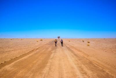 Minimalisme Voyage blog ici et la bas