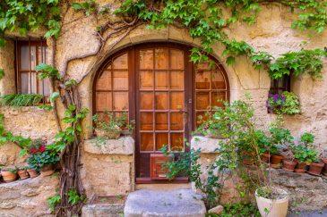Cucuron Villages méconnus du Luberon blog voyage France