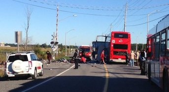 5 Killed In Train-Bus Collision In Canada