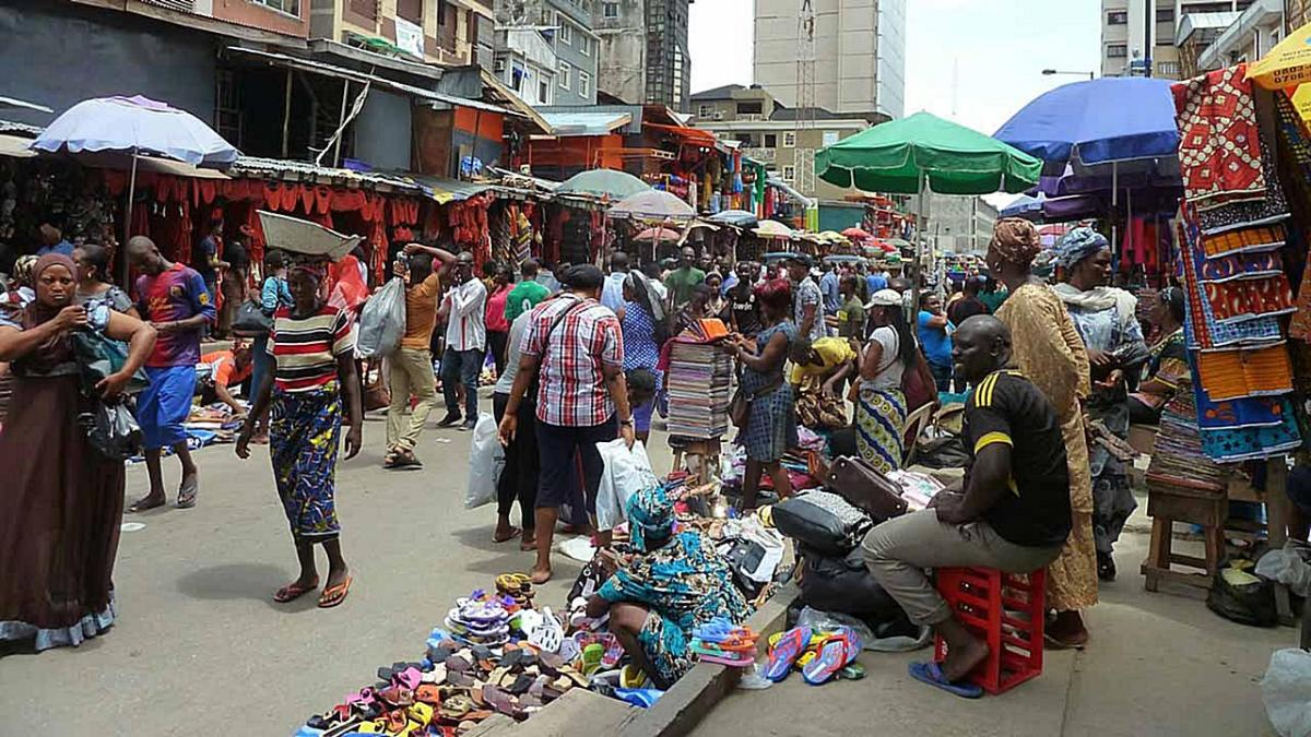 Street traders across Nigeria will have to pay and be licensed – according to this new bill