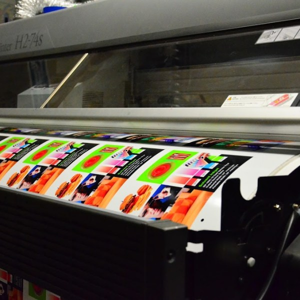 Large Format Latex Printing Equipment printing images