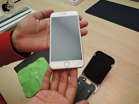 Apple is Using Machines to Install iPhone Screen Protectors in Japan [Video]