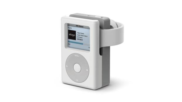 Check Out This iPod Classic Charging Stand for Apple Watch