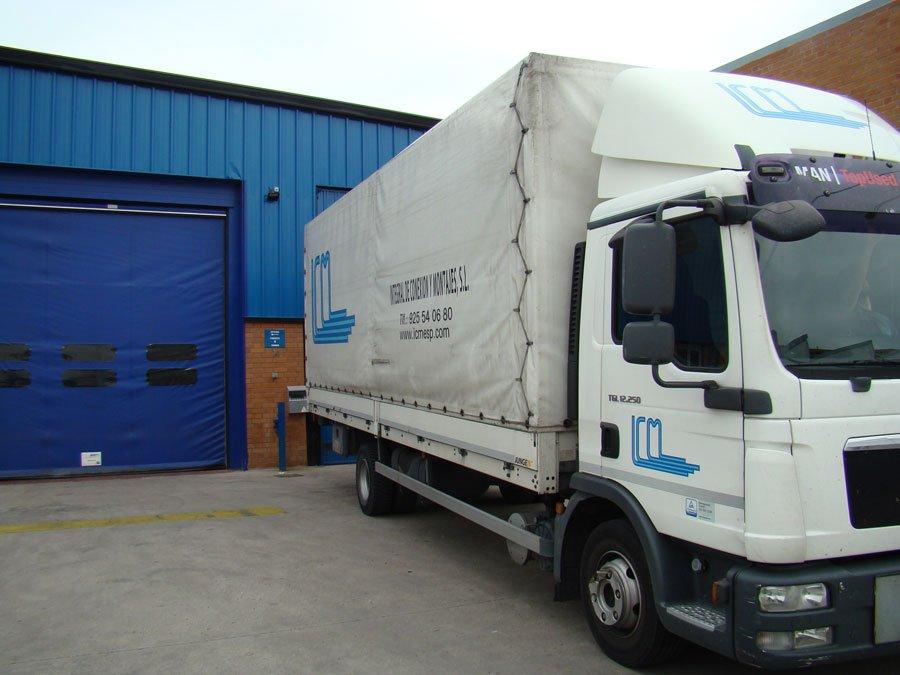 Camión para la entrega de pedidos de ICM