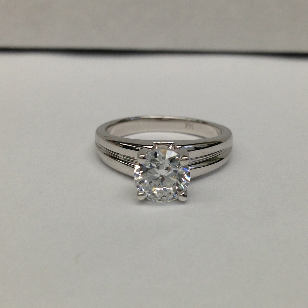 Certified 1 Carat Cut Diamond Engagement Solitaire Ring