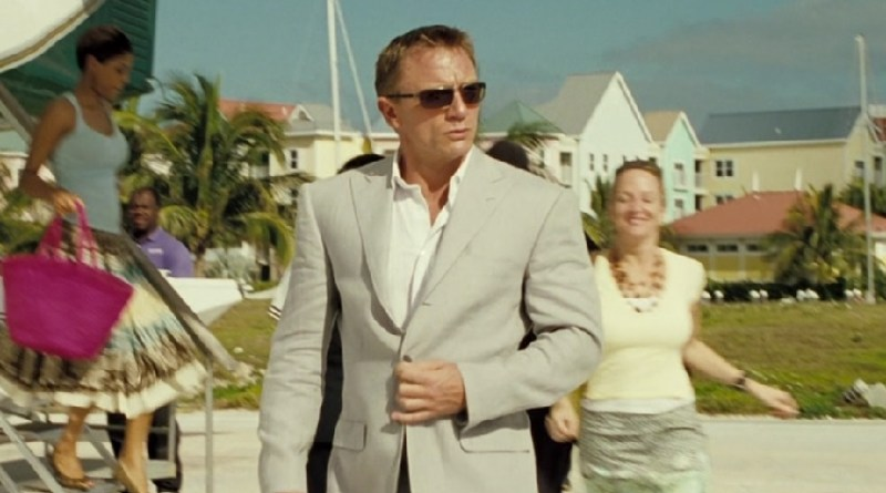 daniel craig grey suit casino royale