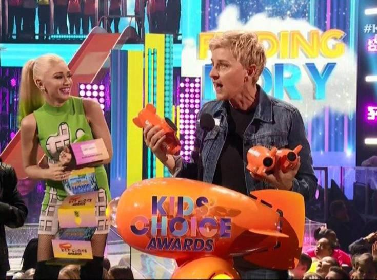 ELLEN DEGENERES Recites Strange Oath at Kids Choice Awards image