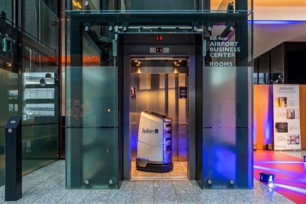 First Hotel in Switzerland: Service robot JEEVES joins the operations team