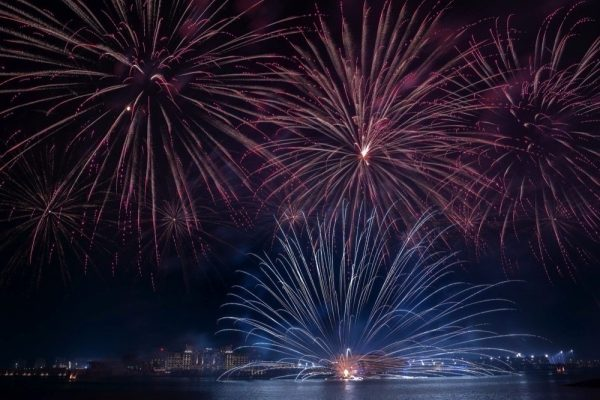 Sensational fireworks spectacle lights up Yas Island