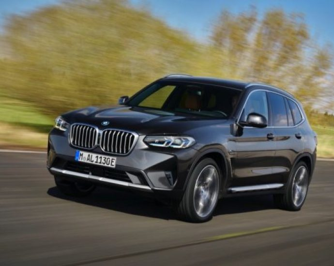 The new BMW X3 and the new BMW X4.