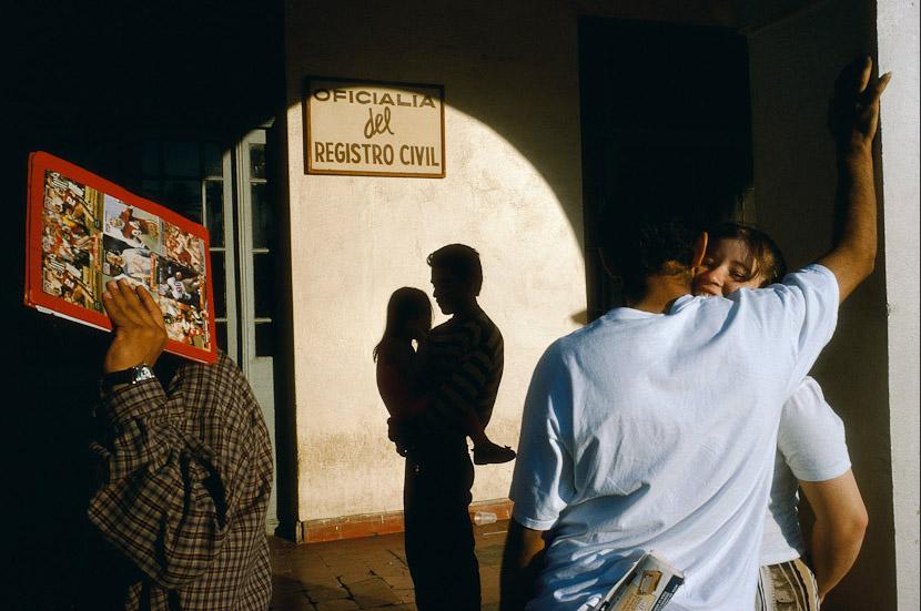 Alex Webb, Nuevo Laredo, 1996