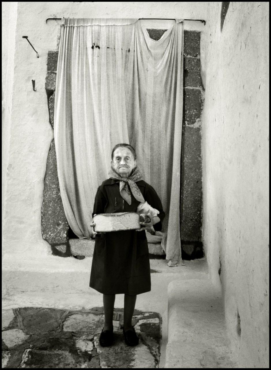 La signora col pane benedetto. Patmos, 1988