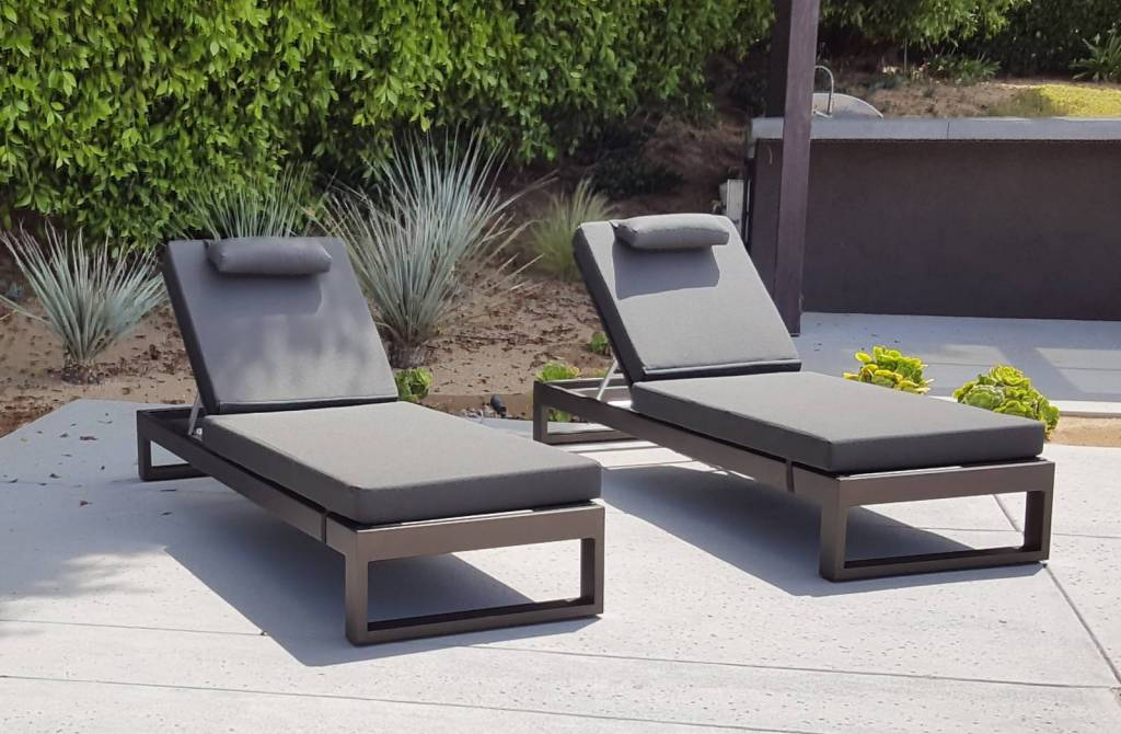Amber Modern Outdoor Single Chaise Lounge Icon Outdoor