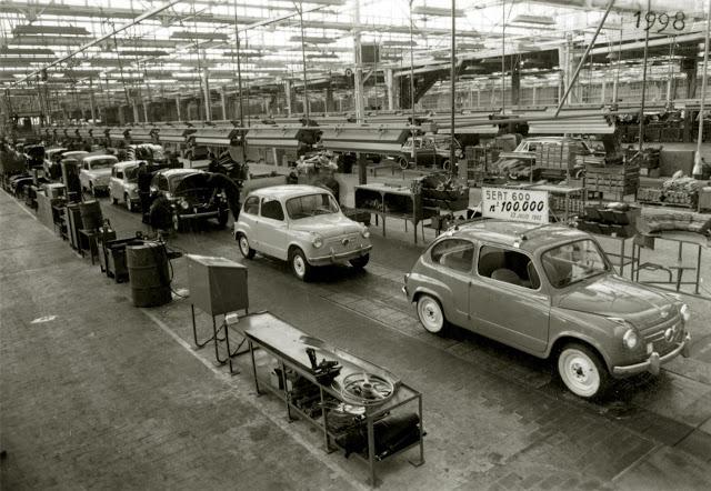 El Seat 600 nº 100.000 sale de la cadena de montaje (1960's)