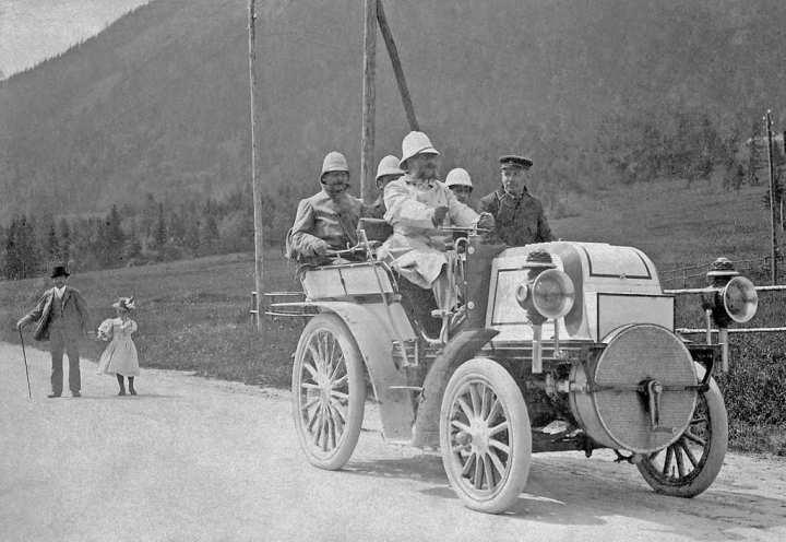 "Jellinek al ""volante"" en 1899 | Daimler AG"