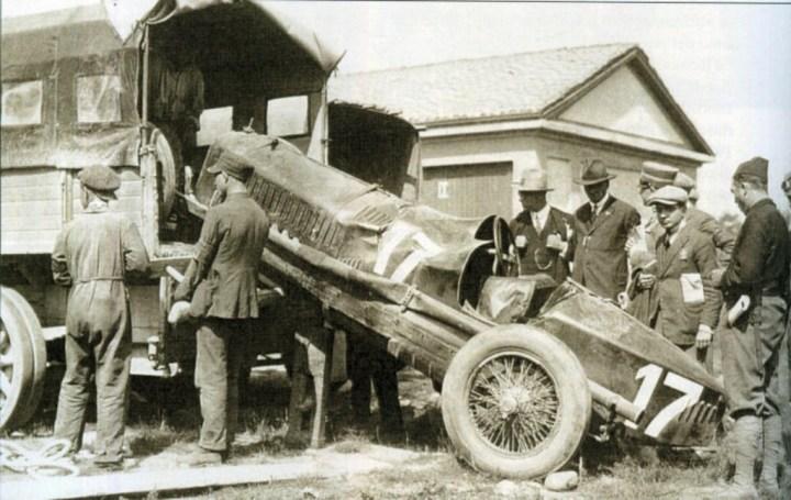 El Alfa Romeo en que Ugo Sivocci pierde la vida en 1923 es retirado de la pista