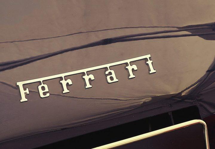 Tipografía Ferrari 250 GT SWB