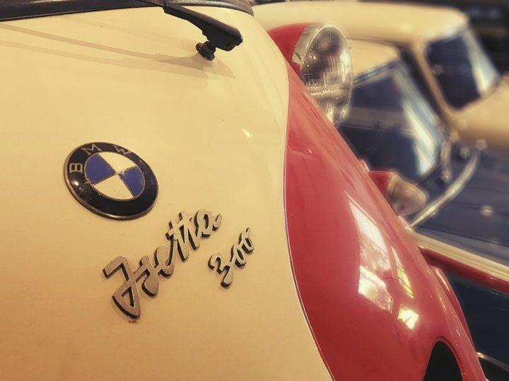 Tipografía BMW Isetta 300
