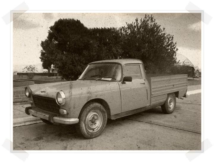 Las tres hermanas - Peugeot 404 Pickup