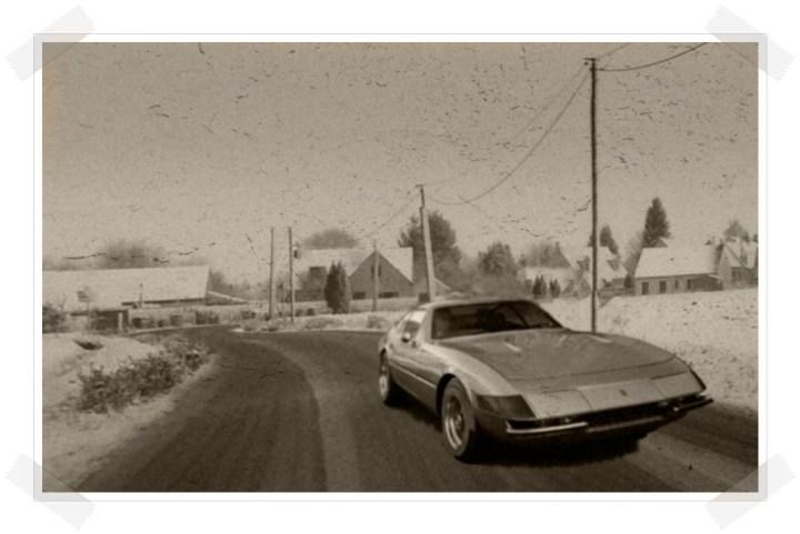 Las tres hermanas - Ferrari Daytona curve