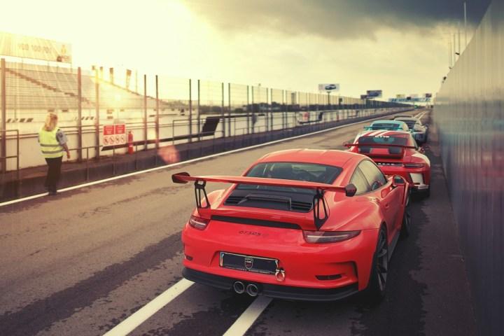 Porsche 911 red rear en el Circuito del Jarama