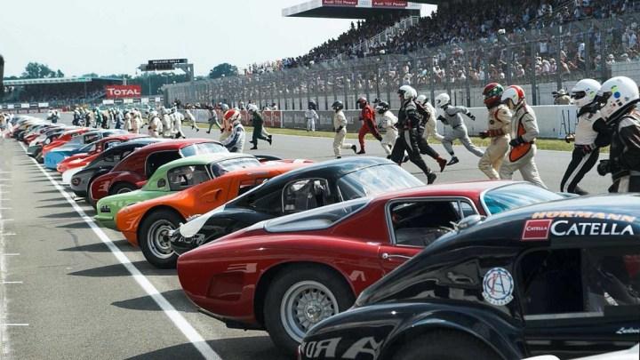 Salida clásica en Le Mans Classic]