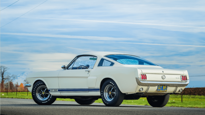 Shelby GT350H 'Hertz' Fastback Coupe (1966) | Worldwide Auctioneers