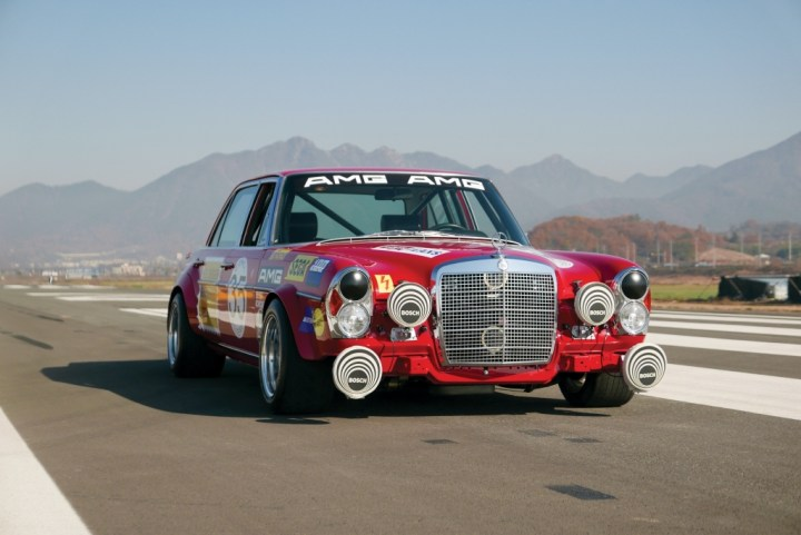 1969 Mercedes-Benz 300 SEL 6.3 'Red Pig' Replica (432.500 €) | RM Sotheby's