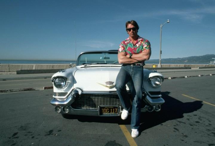 Arnold Schwarzenegger y su Cadillac Eldorado del '57 | Henry Diltz (1985)