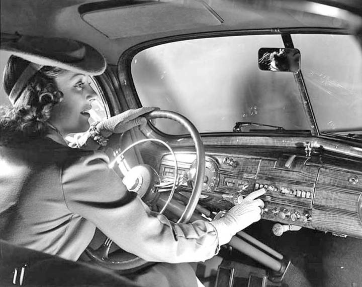 Mujer historia automóvil