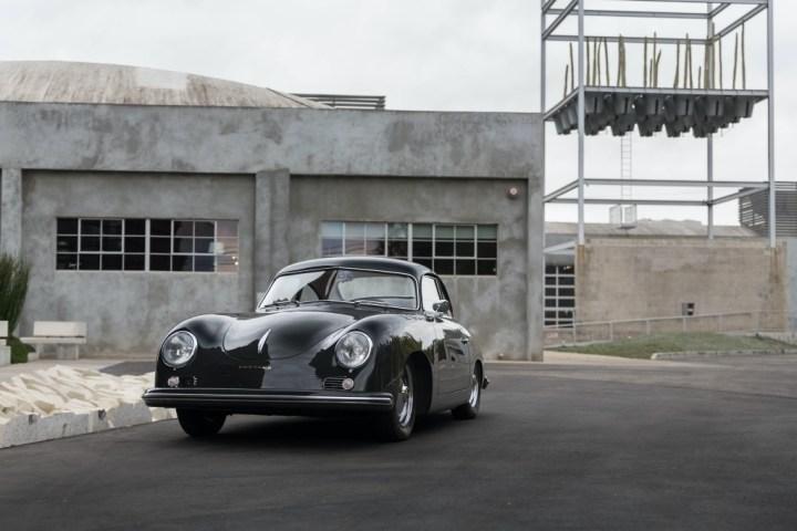 Subastas Arizona 2021: 1953 Porsche 356 Coupe by Reutter 159.600 $ (est. 150-180.000 $) | RM Sotheby's