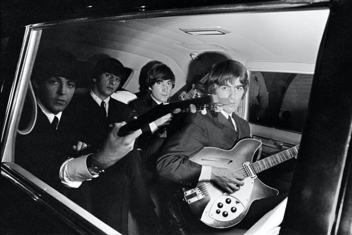 The Beatles en una limusina en 1964 | Curt Gunther