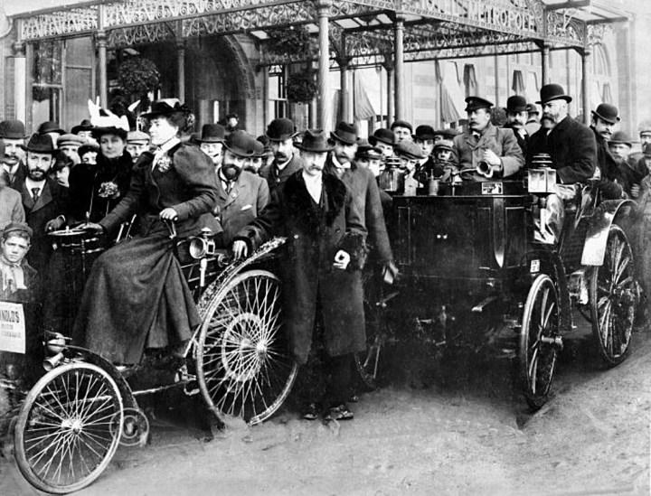 Un benz Velo en la London to Brighton Emancipation Run de 1896 | Daimler