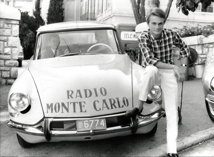 El cantante Claude François fotografiado en Monaco