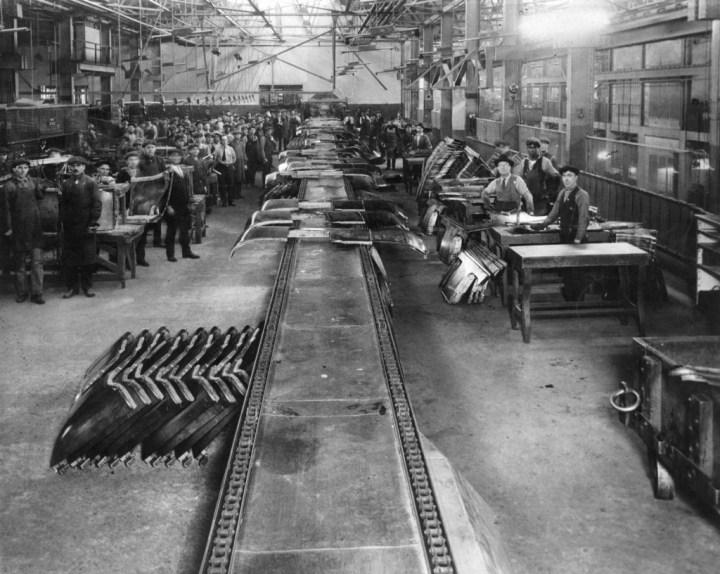 Producción en cadena: Piezas de carrocería en Highland Park