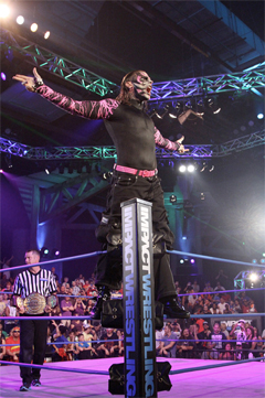 Jeff Hardy: Taking His Music To New Heights!