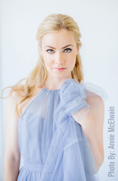 On The RIse: Amanda Schull