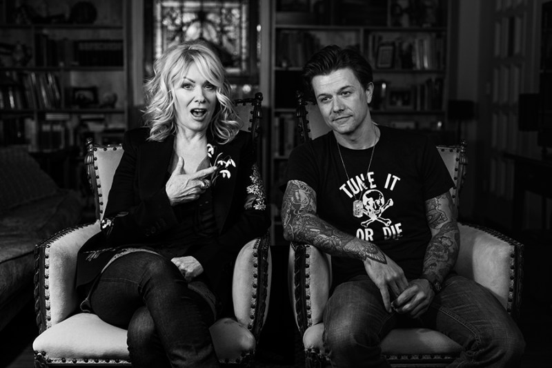 "Heart's Nancy Wilson & Eric Tessmer cover ""Policy of Truth"""