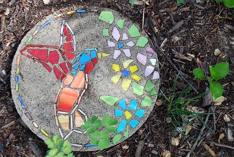 DIY Hummingbird Garden Stepping Stone