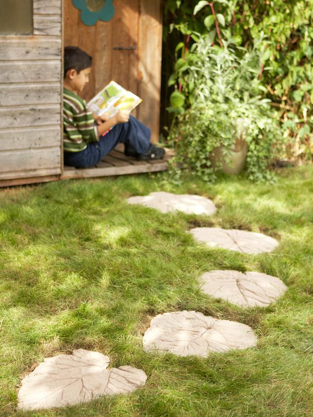 How to Make a Decorative Garden Path