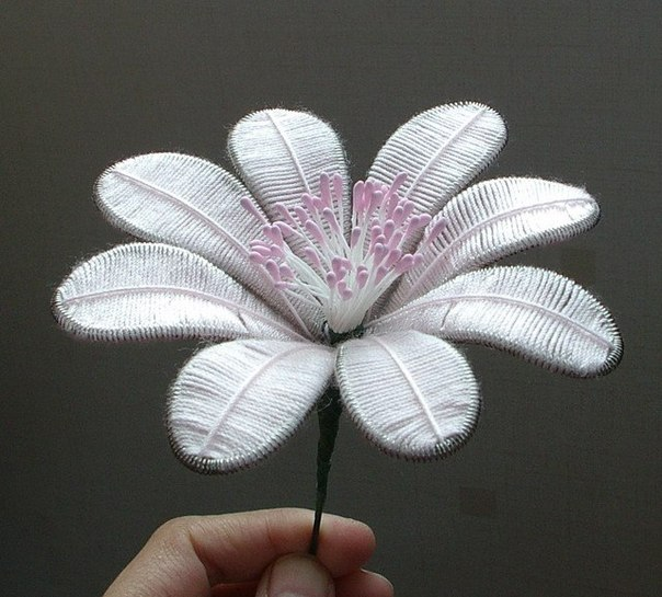 How To DIY Beautiful Flowers From Wire And Thread