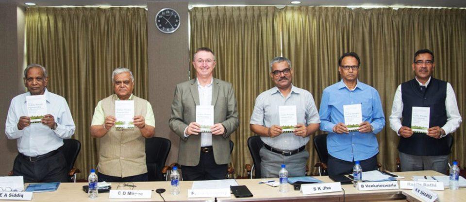 (L-R): Padma Shri Dr EA Siddiq, Dr CD Mayee, Dr Peter Carberry, Dr Sanjeev Jha, Dr Ventakteswarlu and Dr Rajvir Rathi at the meeting.
