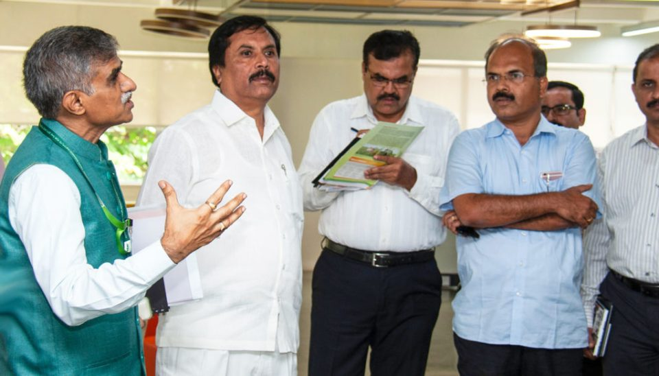 (L-R) Dr Sreenath Dixit, Head, ICRISAT Development Center with Mr NH Shivashankara Reddy and other officials at ICRISAT, Hyderabad. Photo: PS Rao, ICRISAT