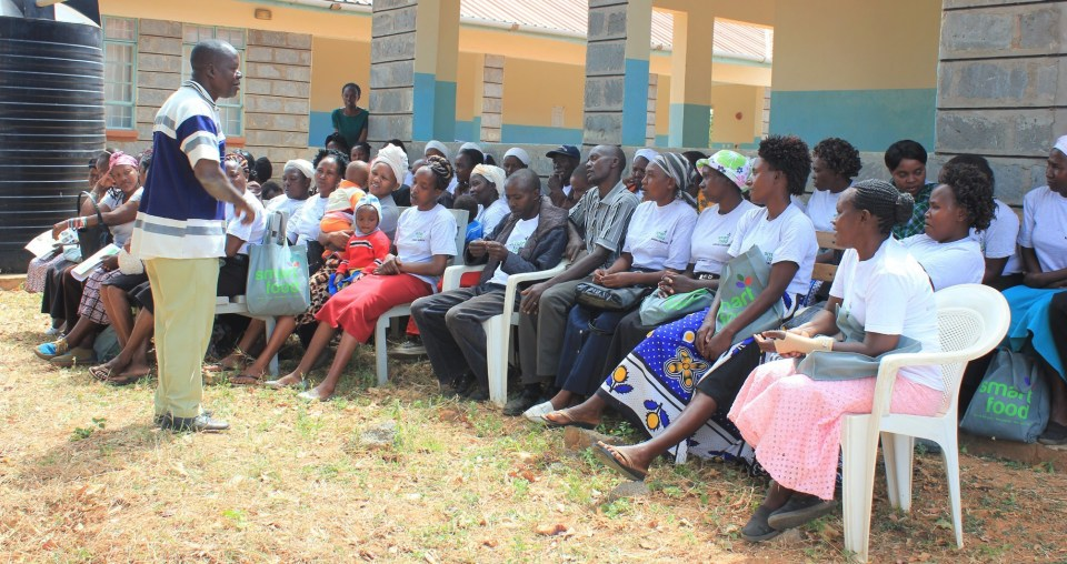 A Nutrition Officer facilitating a nutrition education class in Makueni. Photo: ICRISAT