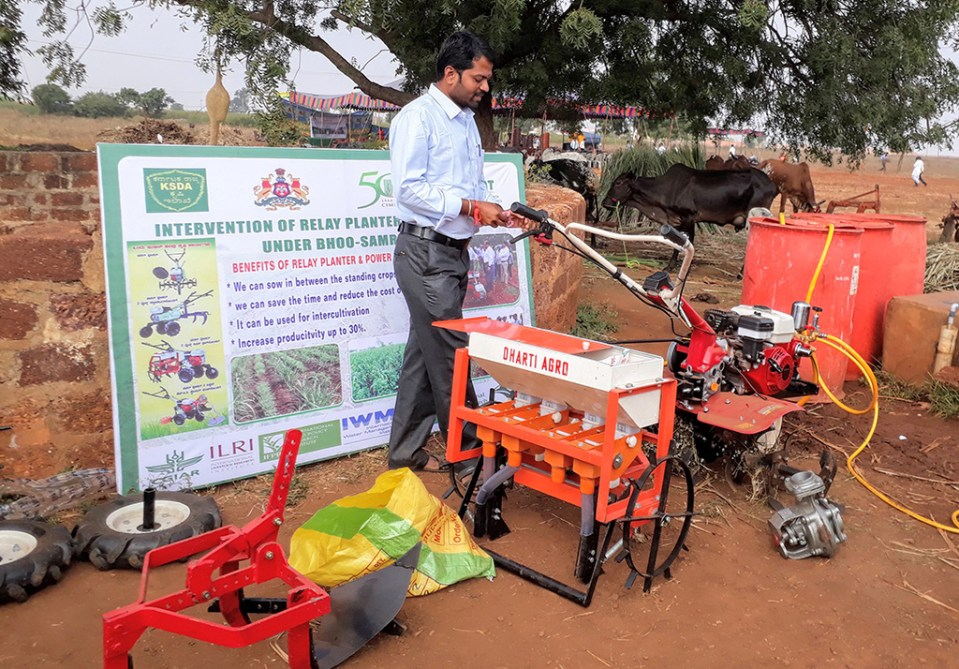 The relay planter is a multi-tasking implement that is a ridgemaker, cultivator, planter/sowing machine, rotavator for intercultivation, and a water pump; all this at a nominal price affordable to small and marginal farmers. Photo: Rajani Kumar, ICRISAT